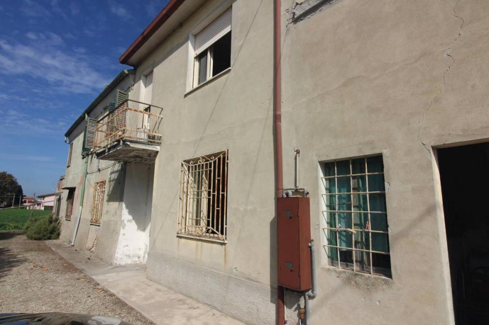 Villa indipendente plurilocale in vendita a Argenta - Villa indipendente plurilocale in vendita a Argenta