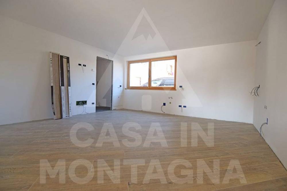 00c34efff13d800f2496ed17f0364f2c - Ufficio monolocale in vendita a S�n Jan di Fassa