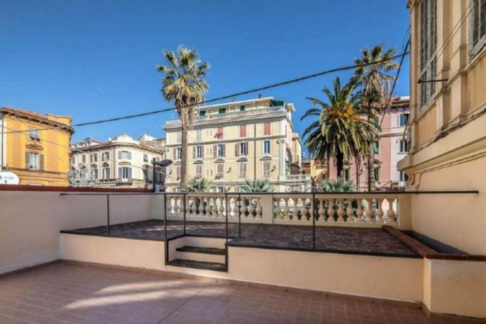 Appartamento trilocale in vendita a Sanremo - Appartamento trilocale in vendita a Sanremo