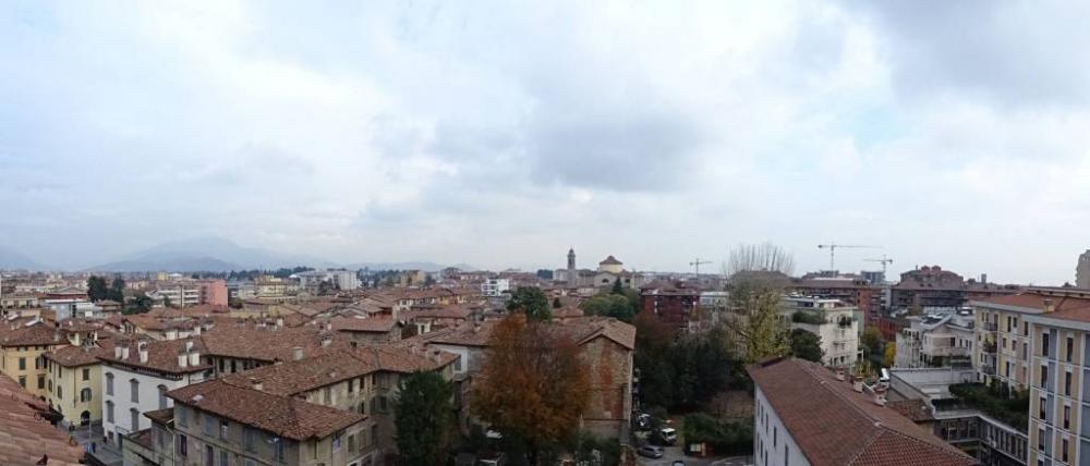 1be64701dcc687aea6de4a7620d70028 - Ufficio quadrilocale in affitto a Bergamo