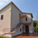 Casa plurilocale in vendita a Montefiore dell'Aso