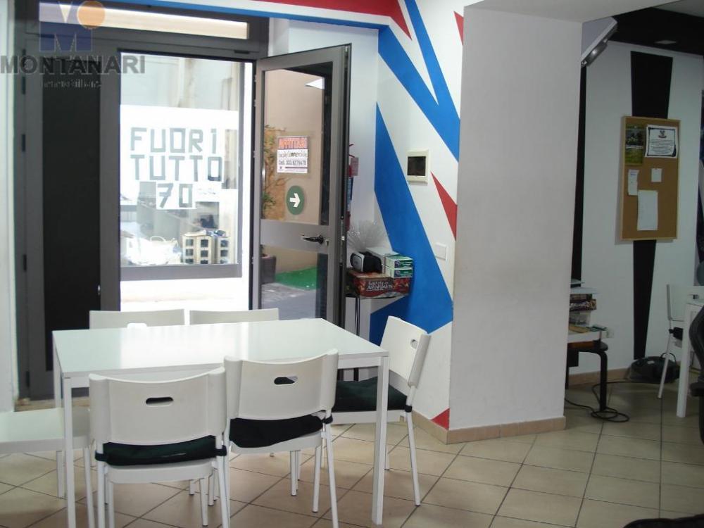 Azienda commerciale plurilocale in affitto a foligno - Azienda commerciale plurilocale in affitto a foligno