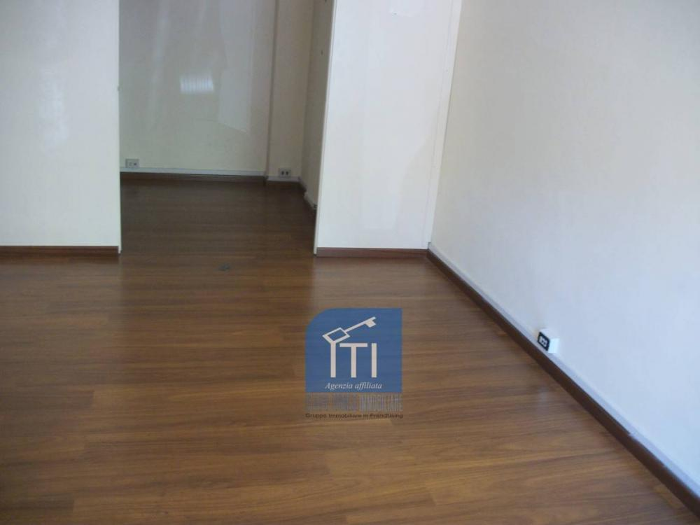 Negozio in affitto a Roma - Negozio in affitto a Roma
