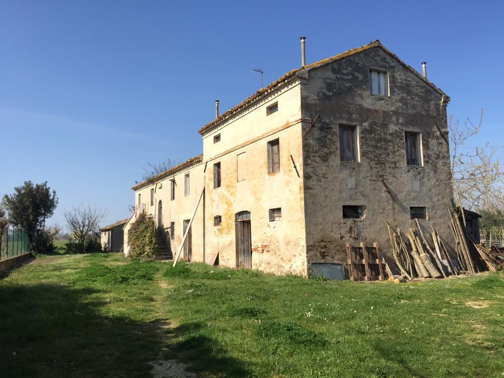 Rustico / casale plurilocale in vendita a Chiaravalle - Rustico / casale plurilocale in vendita a Chiaravalle