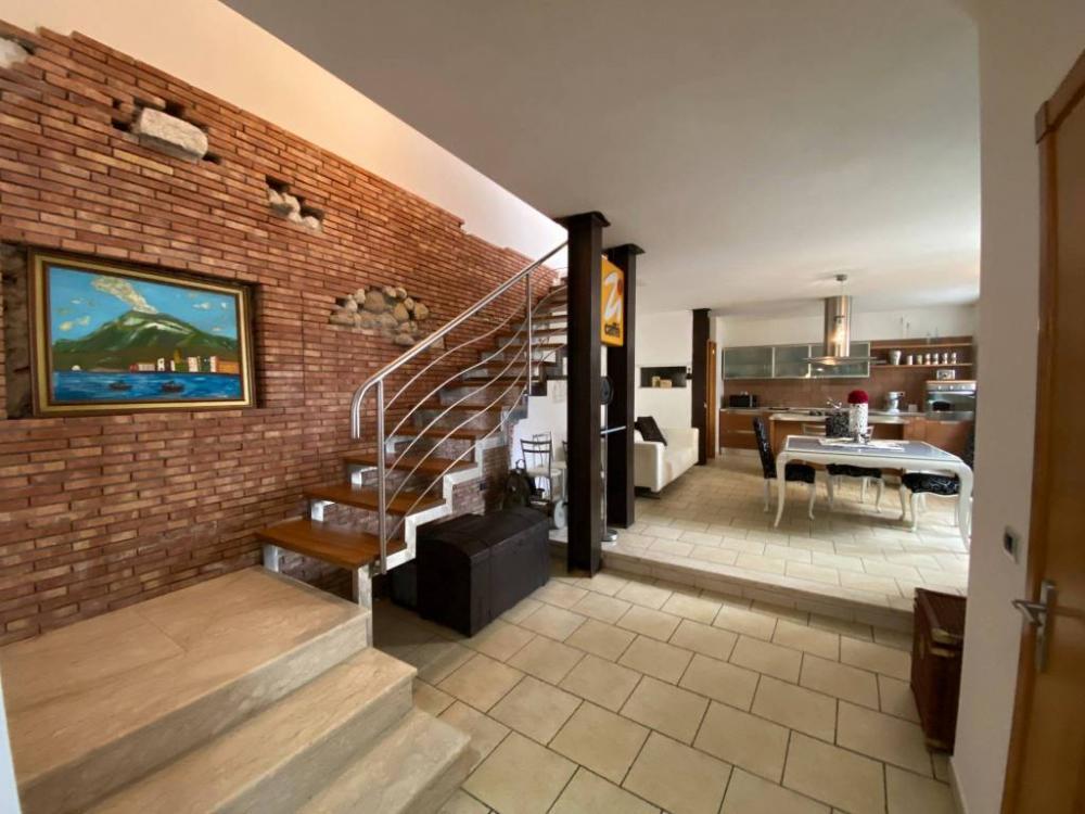 2ae3e0feec93063308b1fd9680fddaa5 - Appartamento plurilocale in vendita a Serradifalco
